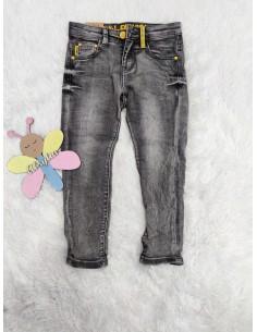 Pantalón vaquero gris