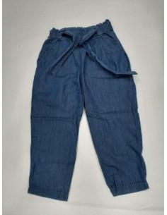 Pantalón finito estilo vaquero